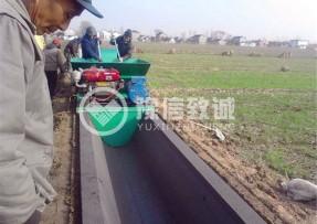 安徽阜阳农渠浇筑机现场