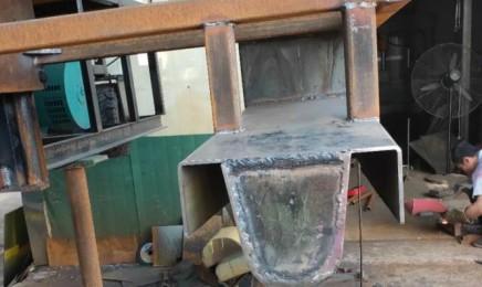 U型排水沟滑模机