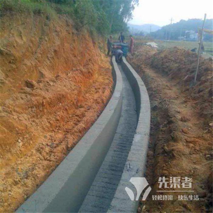 某排灌渠机器施工现场